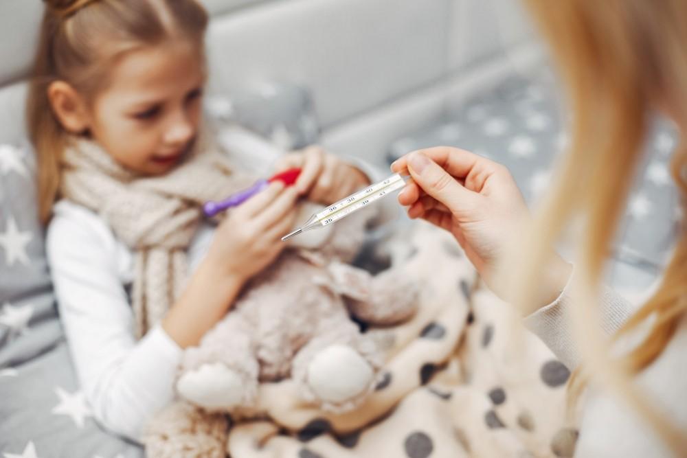 Комаровский рассказал, как обезопасить детей от возникновения пневмонии после ОРВИ