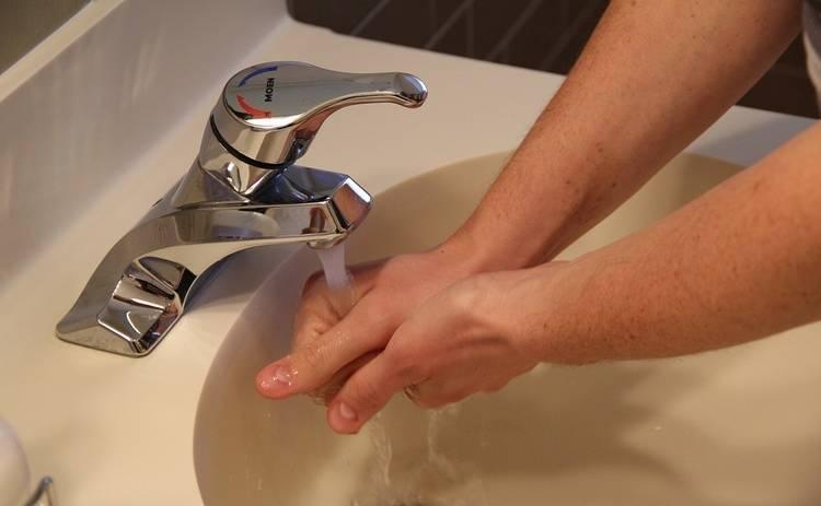 Не доверяйте дезинфекторам: на вирус гриппа они действуют слабее обычной воды