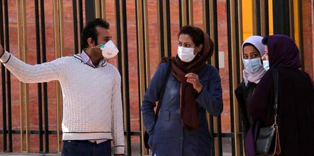 В Пекине закончились маски от смертельного вируса