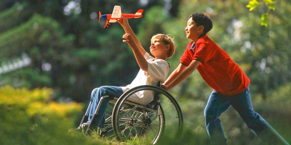 Діти з інвалідністю будуть проходити реабілітацію у роботокостюмах
