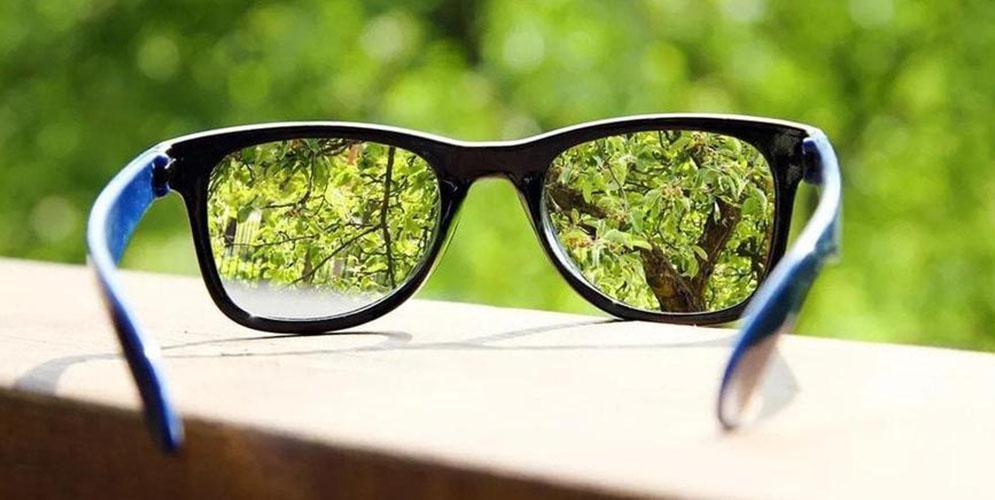 В Дании все рецептурные очки будут изготавливать с ультратонкими стеклами