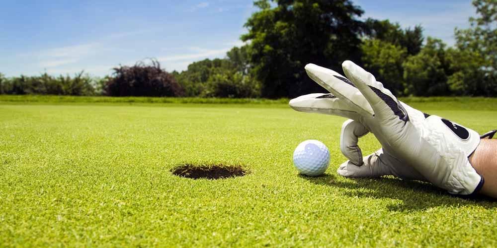Людям старшего возраста рекомендуют играть в гольф