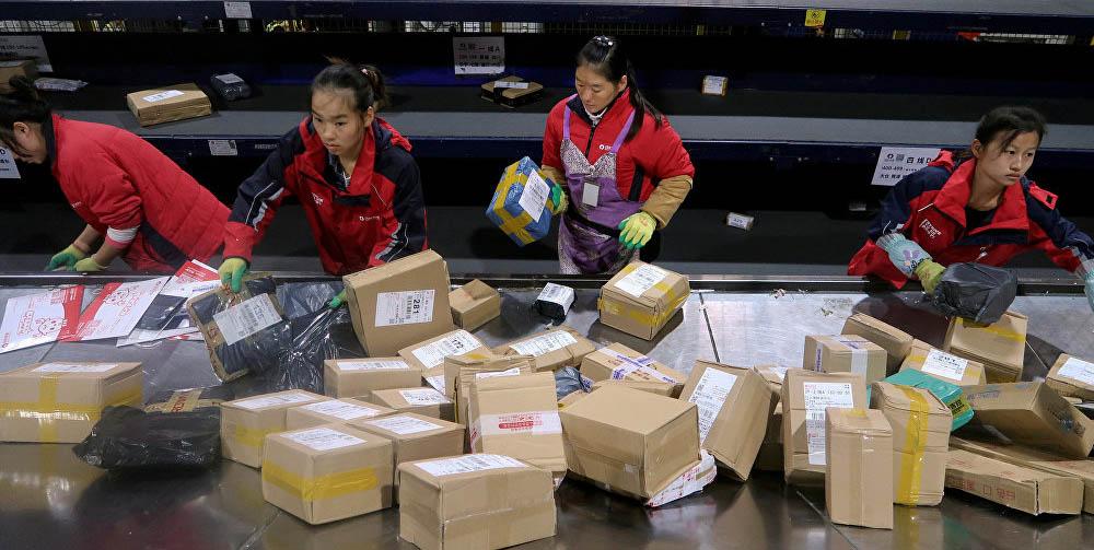 Живучесть вируса, или почему не нужно бояться продуктов и посылок из Китая