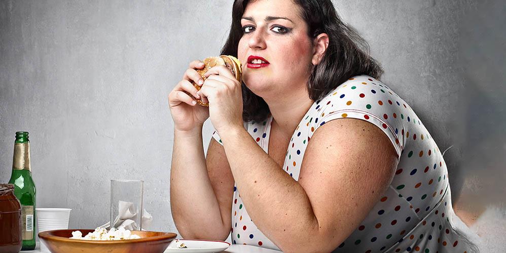 Женщины с недосыпом употребляют на 500-800 калорий больше, чем требуется