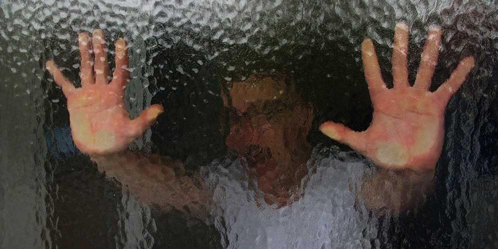 Боявся заразити свою сім'ю: чоловік наклав на себе руки, оскільки вирішив, що він хворий на коронавірус
