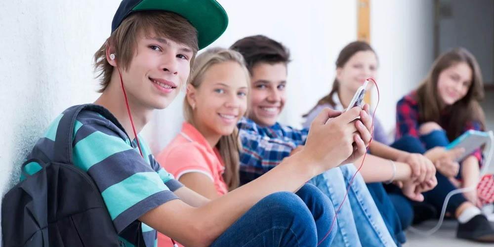 На получение награды мозг сильнее реагирует у подростков, чем у маленьких детей