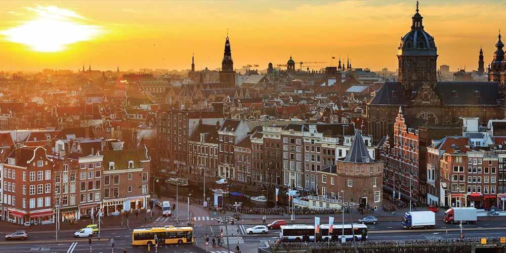 Нидерланды позволяют своим гражданам переболеть коронавирусом, чтобы выработать иммунитет