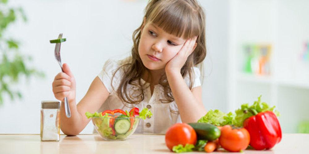 Исследователи сообщили, как правильно заставить детей есть овощи и фрукты