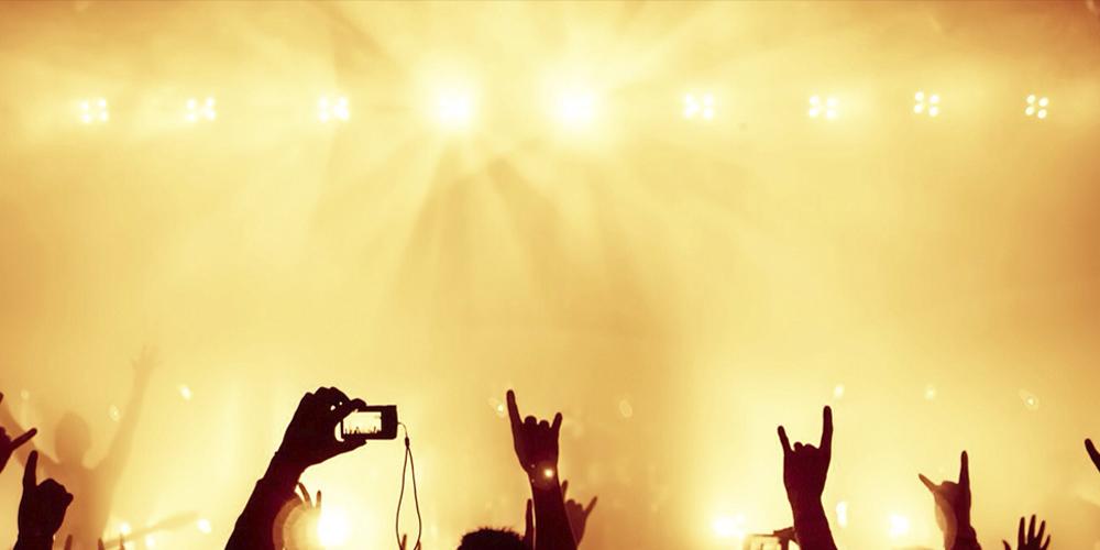Зараженный коронавирусом парень сходил на рок-концерт