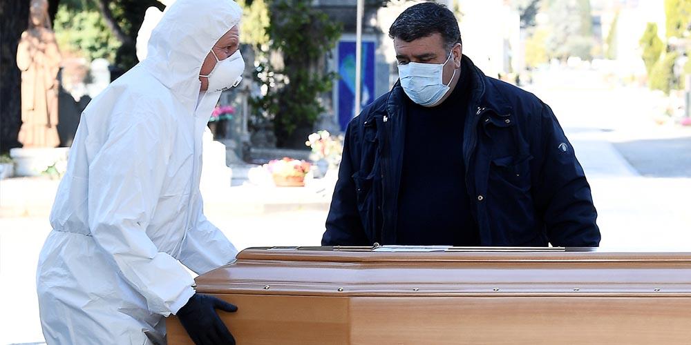Не целовать покойного, хоронить в закрытом гробу: МОЗ дает рекомендации по захоронению умерших