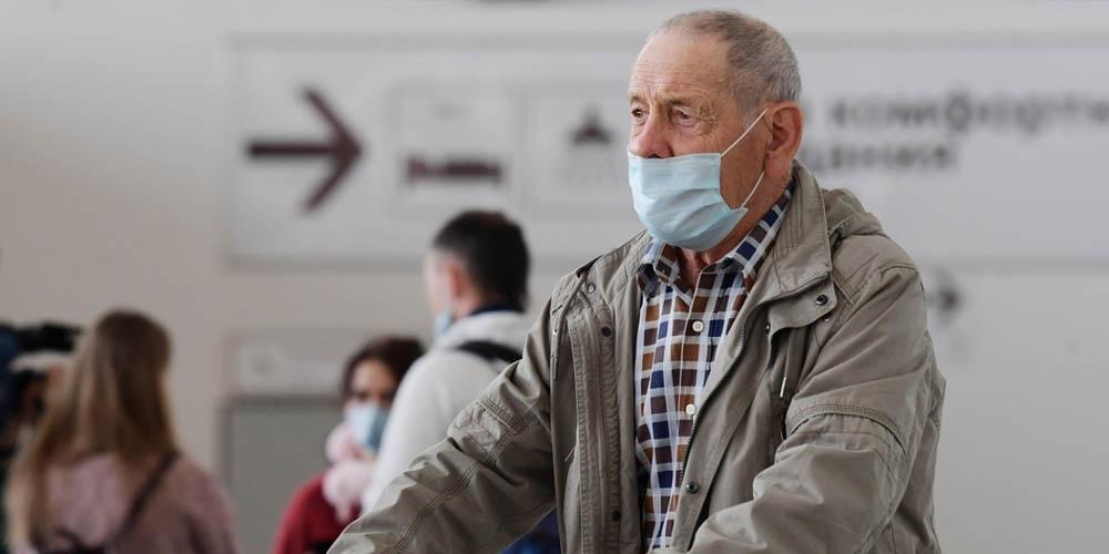 Летальность Covid-19 для людей старше 50 лет связана не только с сопутствующими заболеваниями