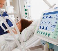 Из-за коронавируса 43 украинца подключены к аппарату искусственной вентиляции легких