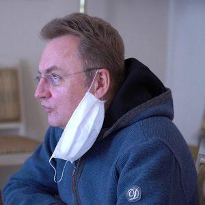 Андрій Садовий у масці