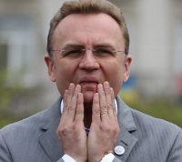 Фейк Андрея Садового: во Львове пропала гуманитарная помощь для больниц