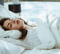 Длительную малоподвижность нужно заменить на полноценный сон или легкую активность