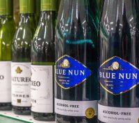 Впервые за 12 лет финны начали покупать больше вина