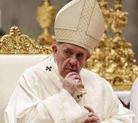 У помощника Папы Римского обнаружили коронавирус, а Мадонна уже переболела