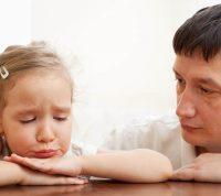 Сочувственное слушание поможет ребенку справиться с эмоциями во время пандемии