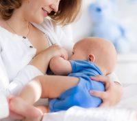Материнское молоко заселяет в кишечник младенца полезные бактерии