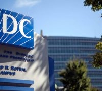 Одновременное циркулирование сезонного гриппа и COVID-19 этой осенью может привести к краху системы здравоохранения США