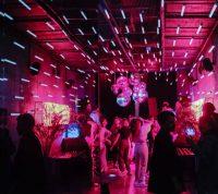 Молодежь устраивала вечеринки, чтобы заразиться коронавирусом и выиграть приз