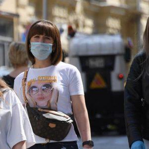 Лето не спасет: жаркая погода не «убьет» коронавирус