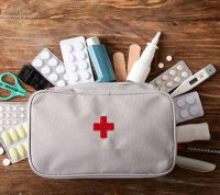 Аптечка в дорогу: що не варто забувати вирушаючи в подорож з дитиною