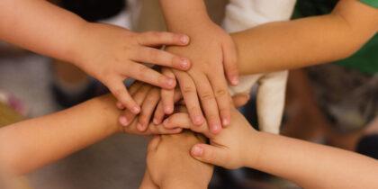 Отправляете ребенка в летнем лагерь? Иммунолог рассказала, как защититься от инфекций