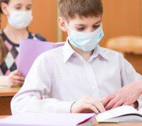 В конце сентября школы закроются, но надеюсь на отечественные противовирусные препараты, - инфекционист