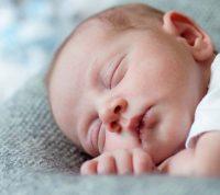 Новое исследование доказывает, что сон младенцев отличается от сна взрослых людей