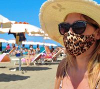Отдых в Турции по-новому: маски на пляжах и запрет на ночные концерты