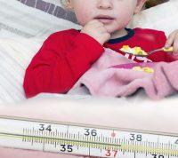 Как помочь детям меньше болеть  осенью?