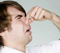 Неприятные люди и события вызывают те же ощущения, что и плохой запах