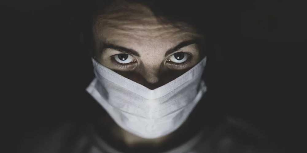 Исследование: у людей, которые отказываются носить маски, могут быть проблемы с психикой
