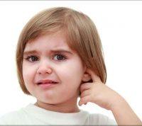 ГРВІ та біль у вухах: як допомогти дитині