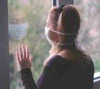 Во время карантина молодые и разведенные люди чувствуют себя более одинокими