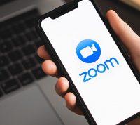 Видеоконференции в Zoom становятся причиной пластических операций