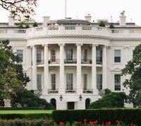 В День инаугурации президента США армия уборщиков продезинфицирует Белый дом