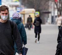В Нидерландах законом обязали носить маски
