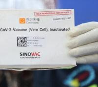 Китай одобрил к использованию вторую отечественную вакцину от COVID-19