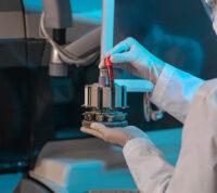 Согласно исследованию, большинство людей имеет естественную защиту от SARS-CoV-2