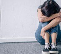 Одиночество из-за локдаунов связано с ухудшением психического здоровья у пожилых людей