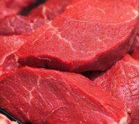 Чрезмерное употребление красного мяса провоцирует ряд заболеваний