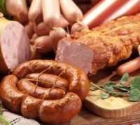 Употребление обработанного мяса увеличивает вероятность заболевания деменцией