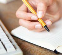 Рукописные тексты лучше развивают мозг, чем электронные