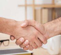Склонность к самоубийству можно определить по рукопожатию
