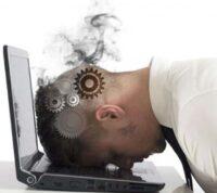 Выгорание на работе и плохой сон могут способствовать заражению коронавирусом