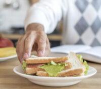 Хороший аппетит у людей старшего возраста гарантирует здоровая микрофлора кишечника