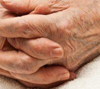 Ученые предлагают старость считать болезнью
