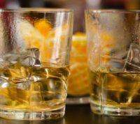 Люди, которые не злоупотребляют алкоголем, могут прожить на 28 лет дольше